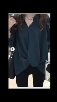 ネイビーグリーンの服にはどんな色のアイシャドウが合いますか?  写真はイメージですが、写真より実際の服はもっとネイビー感が強いです。
