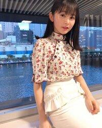 有吉ジャポンで 久間田琳加の衣装は タイトスカートですか?