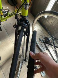 ロードバイクのタイヤって太いやつから細いやつに変えると何か変わりますかね?スピードとか...