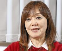 中森明菜さん「愛撫」岩崎宏美さん  「思秋期」どちらが好きですか。