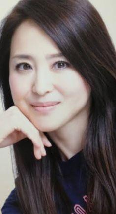 中森明菜さんと松田聖子さん 現在も活動しているのはどちら??