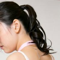 女性の皆さんうなじのうぶ毛って処理してますか? 画像は私のうなじです