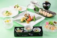 太平洋フェリーには新日本海フェリーのようなワンランク上のレストラン、食事はありますか?
