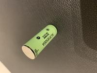 リチウム電池について リチウム電池を買って充電があまりなかったため購入した際に同封してあった充電器で1時間程度充電をしていたら最初は充電中になっておりましたが、突然充電もされず使用する機械に入れても使えなくなりました。 何が壊れているのか、何をしたら直るか教えていただけますと幸いです。