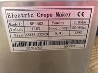インターネットでクレープ焼き機を購入しました。海外の製品ですが、国内使用できるとのことで、業務用/家庭用と表記がありました。 説明書には、 電圧220v/110v  電源3000ワット  コードには、6A 250V  と書いてあります。  コードは海外の三足です。(差し込み足が三つあるタイプ)  家庭量販店で聞いたら、3000ワットの製品は家庭では使えないよと言われました。家庭で...