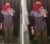 左右どちらがサイズ合っていると思いますか?左がジャストサイズかと思いましたが、着脱する時に脇の下がちょっときついです。綿100%です。