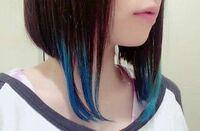春から高校生になる女子です。 私の高校で髪型の校則が特殊な髪の毛はダメと書かれているのです。 私はこの写真の(色は染めません)前下がりボブにしたいと考えているのですがこの髪型は特殊だと思いますか? 皆さ...