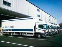 4トン車について質問です。  このトラックはドライバーの人たちで言うオバケ4tっていうものでしょうか? 画像にあるトラックだと、運転操作については10tか4tのどちら寄りになりますか?  分かる方よろしくお願いします。