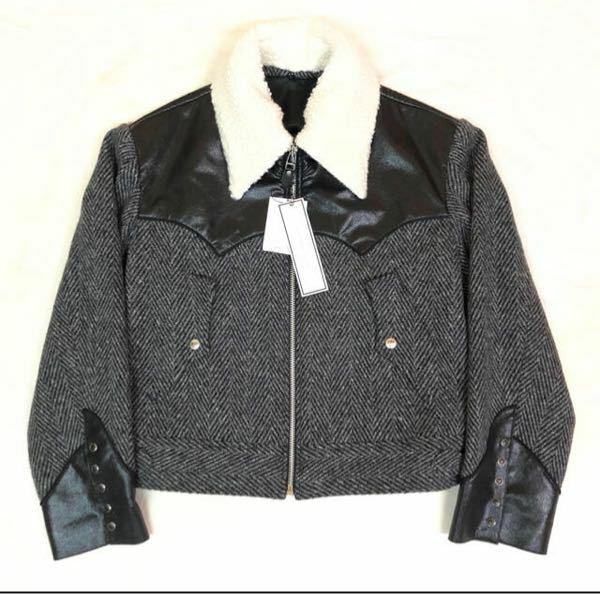 このような形のジャケットの名称って何でしょうか? どなたか教えてください