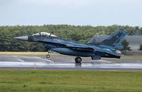 戦闘機の下についてるつつのようなもの この写真ですと翼の下にあるものってなんですか?