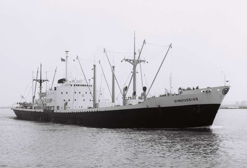 この船(Oinoussios 1956)は昭和40年にガルフ(メキシコ湾)からスペイン大西洋岸に貨物を運びました。どんな貨物を運んだんでしょうか?