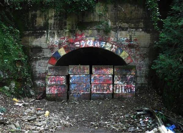 映画にもなった福岡県にあるこの犬鳴トンネル?って今行けないんですか?