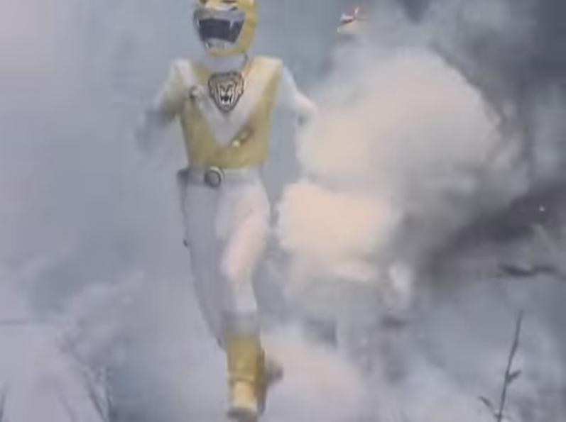 『ベンキョウヅノーの攻撃の楯となり、レッドファルコンの先頭に立って向かっていくイエローライオン』 数あるアニメや特撮作品の中で「仲間の攻撃チャンスを作るため、自らが楯となって敵の攻撃を受ける場面...