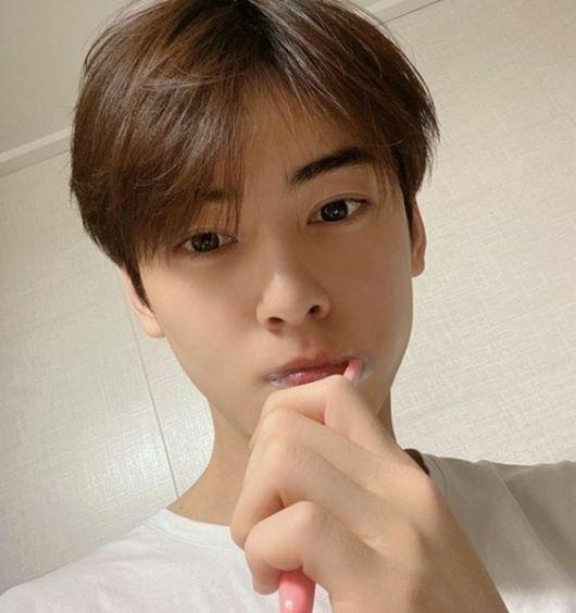 K-POP 韓国ドラマ 最近お気に入りの写真はありますか? 私は昨日見付けたウヌです♪