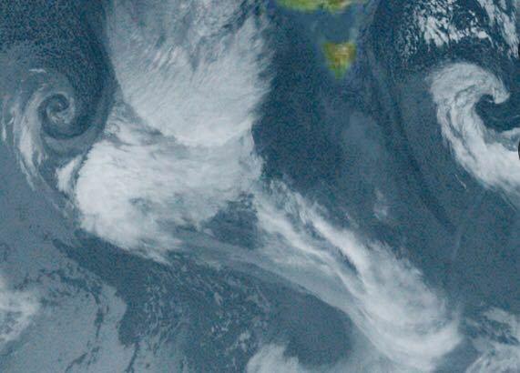 衛星雲画像で南極付近に渦のようなものがありましたが、これはなんですか?低気圧ですか?
