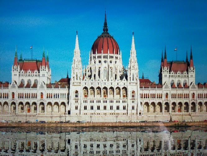 この建築物は何という建築物ですか?