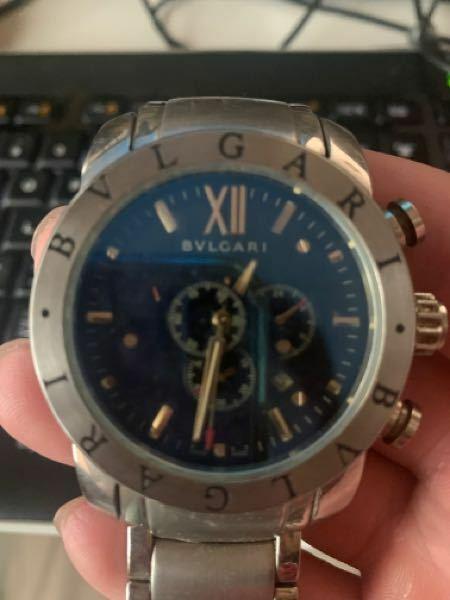 ブルガリの時計 SD 38 S L1371 と 裏に刻印されています。 この画像の時計は 本物でしょうか? 見分け方わかりませんか?検索しても出て来ません。 因みに本物だった場合、中の部品外れてるのですが修理するとおよそいくらでしょうか?