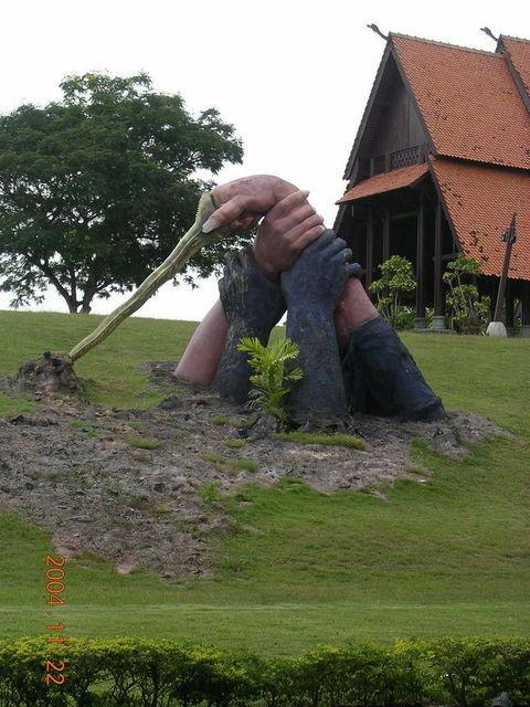15年くらい前の マレーシア、ランカウイ島で観光しました。 これがどこだったのか全く思い出せません。 どなたか教えてください。