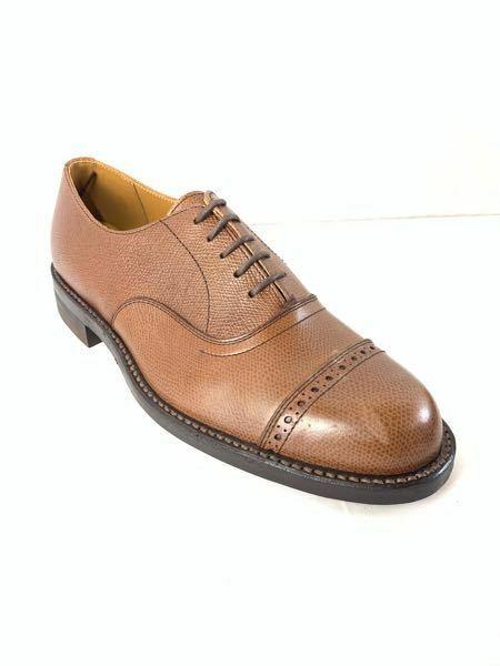 この靴の種類はローファーですか?