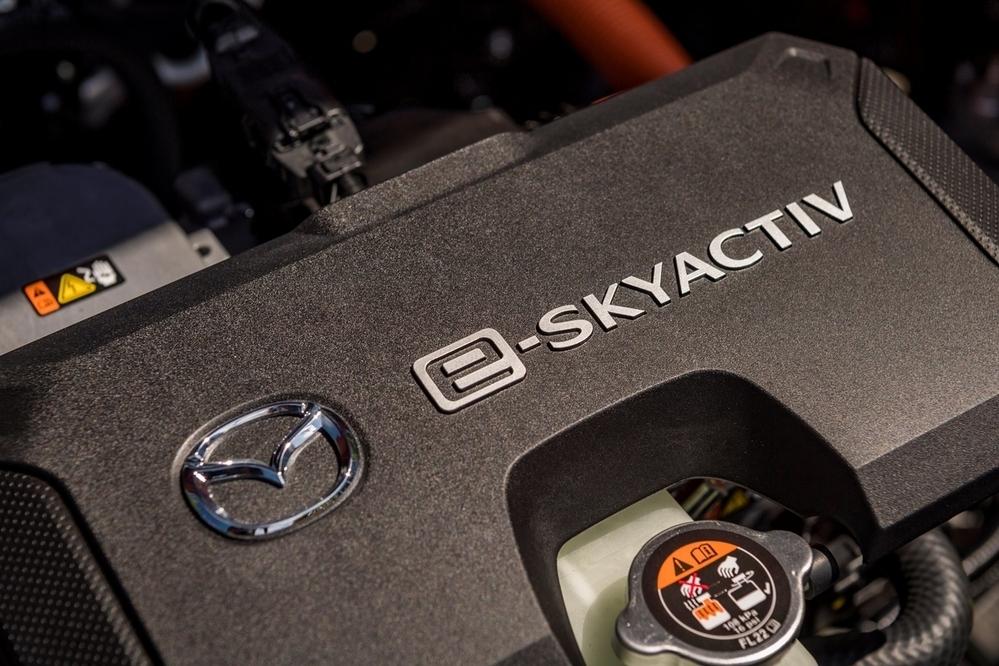 スバルてトヨタに頼りすぎなのでは。 ・・・・・・・・・・・・・・・・ マツダやスズキは電動化を独自開発していますが。 ですがスバルは電動化はトヨタからの技術提携でしてもらう魂胆でいますが。 それってトヨタを頼りすぎなのでは。 なぜスバルはマツダやスズキみたいにトヨタを頼らずに独自開発しないのですか。 と質問したら。 スバルには電動化の技術がない。 という回答がありそうですが。 スバルはト...
