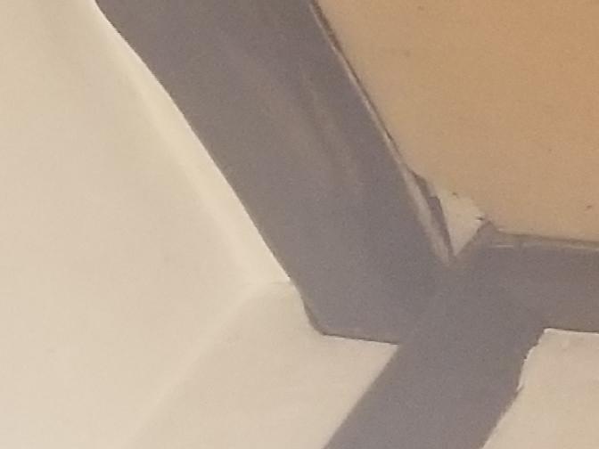 ねずみが出たんですが、この穴は侵入経路として考えられますか いつ空いてたのかもわかりません…