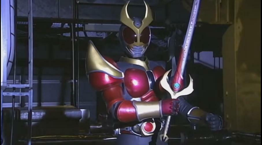 『変身ベルト・オルタリングから出したフレイムセイバーを武器に戦うアギト・フレイムフォーム』 数ある特撮作品に登場する「剣での攻撃スタイルとなるヒーローの形態」の中で、あなたが好きなものは何ですか? ※仮面ライダーウィザードやゴーストのような「フォームチェンジ関係なく、常に剣を武器にして戦うヒーロー」は除き、あくまで「ヒーローがなる、剣を使用した攻撃を専門にする形態」を挙げて下さい。