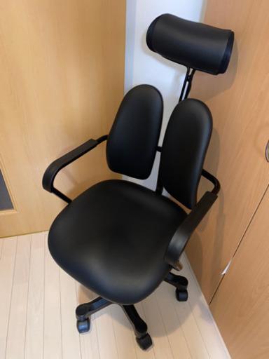 【500枚】この椅子、ニトリで25,000円くらいだったらしいのですが、型番が知りたいです。ご存知の方いたら教えて下さい。