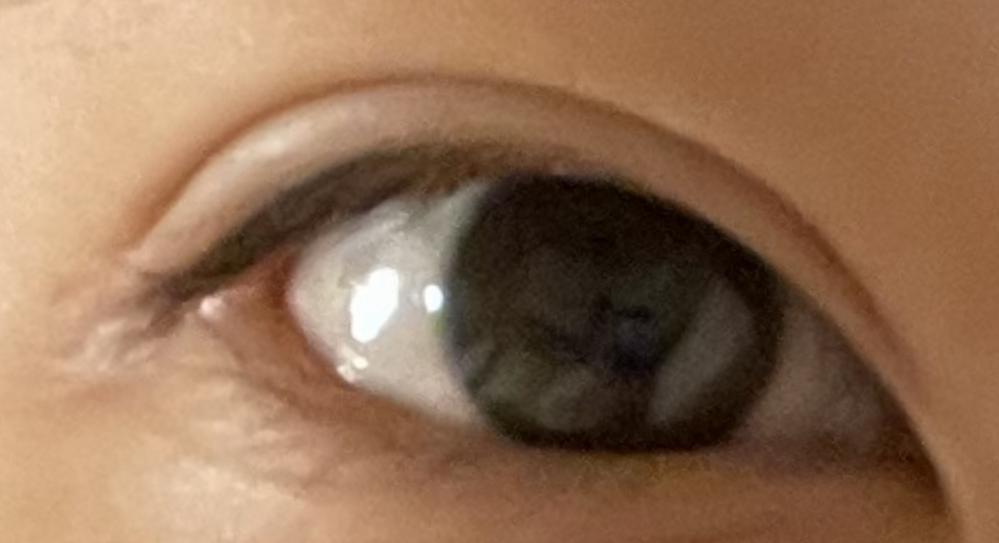 自分の目なんですけど目頭のところが重い?? 感じでキリってしてる感じなんですけど、もっと可愛らしいというか柔らかい感じにすることはできるんでしょうか??語彙力なくてすみません!
