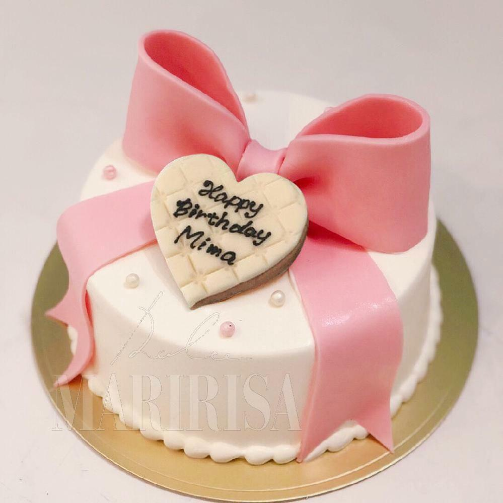 画像のようケーキで2000〜3000円で収められて 北海道まで郵送が可能なお店はありますか…?