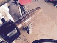 自転車にバイク用の樽型グリップ装着したいのですが、 結構膨らみあるのでエルゴグリップみたいに手のひらを添えるような乗り方出来そうじゃないですか?