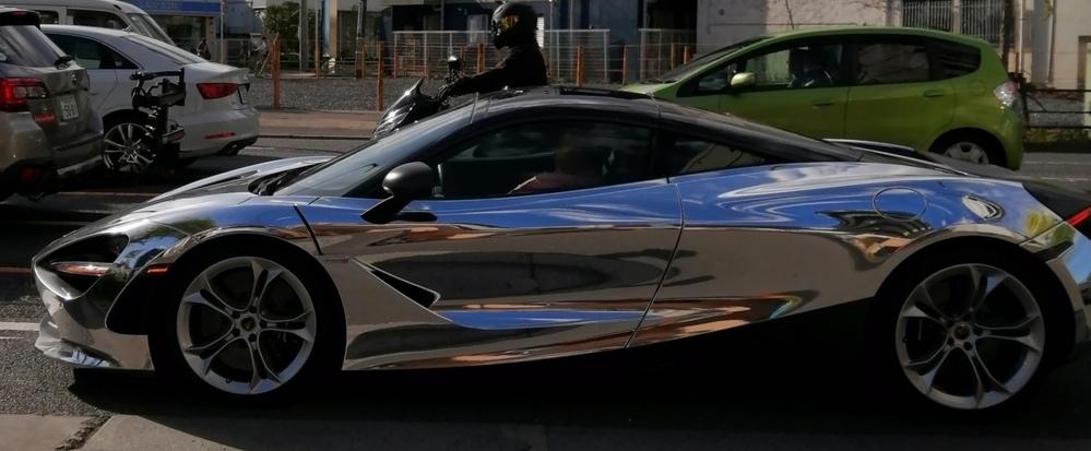 この車の名前を教えてください。