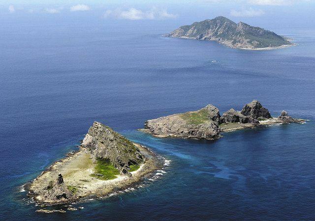 尖閣列島って2つに別れているので 例えば写真の手前の島を日本が領有して、奥の島を中国にすれば 平和的に解決できると思うのですが、どうでしょうか?