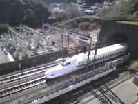 新幹線 にたまにいる迷惑な客の多くは 大阪 の人なのでしょうか?  後、どう思いますか? 迷惑な客の例が 関西弁 になっていることが多いので気になりました。 東海道新幹線 には乗ることが殆どないので会うことはないと思います。  これが 埼玉県人 だったらかなり叩かれると思います。 新幹線 でも 埼玉警報 を搭載しても良いと思います!?
