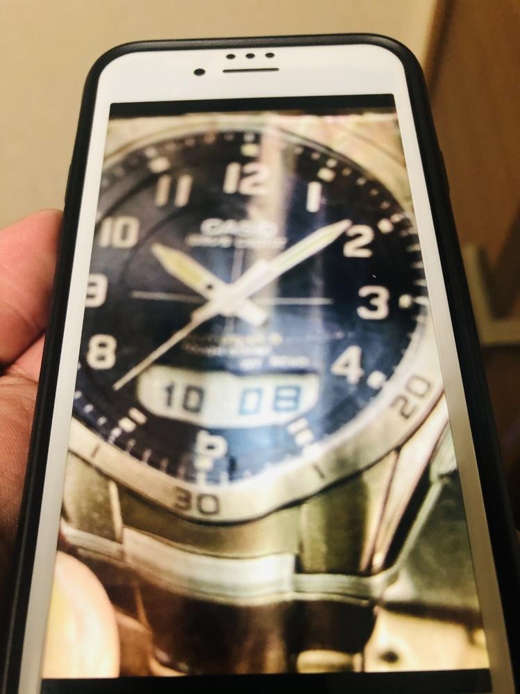 不鮮明ながらこの時計を探していますわかる方いますか? カシオとだけ読み取れます