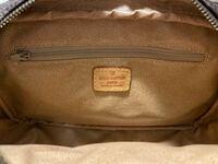 ルイ・ヴィトンのクラッチバックです。かなり古いので商品名分かる方いませんか?