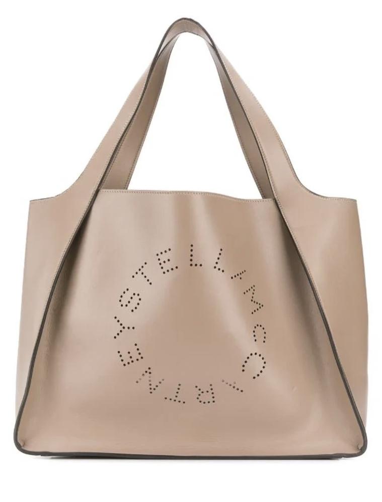転職活動って、就職活動と比較してどれくらいきちんとしたバッグを持っていればいいのでしょうか? 今通勤でこのバッグを使っています。 裏返しで持っていたらロゴは見えないのですが、これでもいいですかね……?