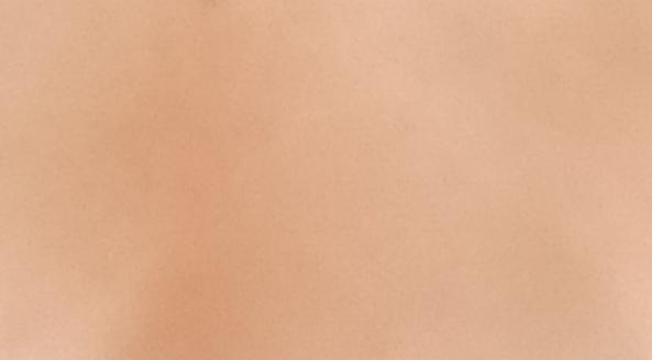 地雷メイクがしたいのですがこの肌色だと不可能ですかね?それともメイクで白くできるんですか?誰か詳しい方教えて貰えませんか?