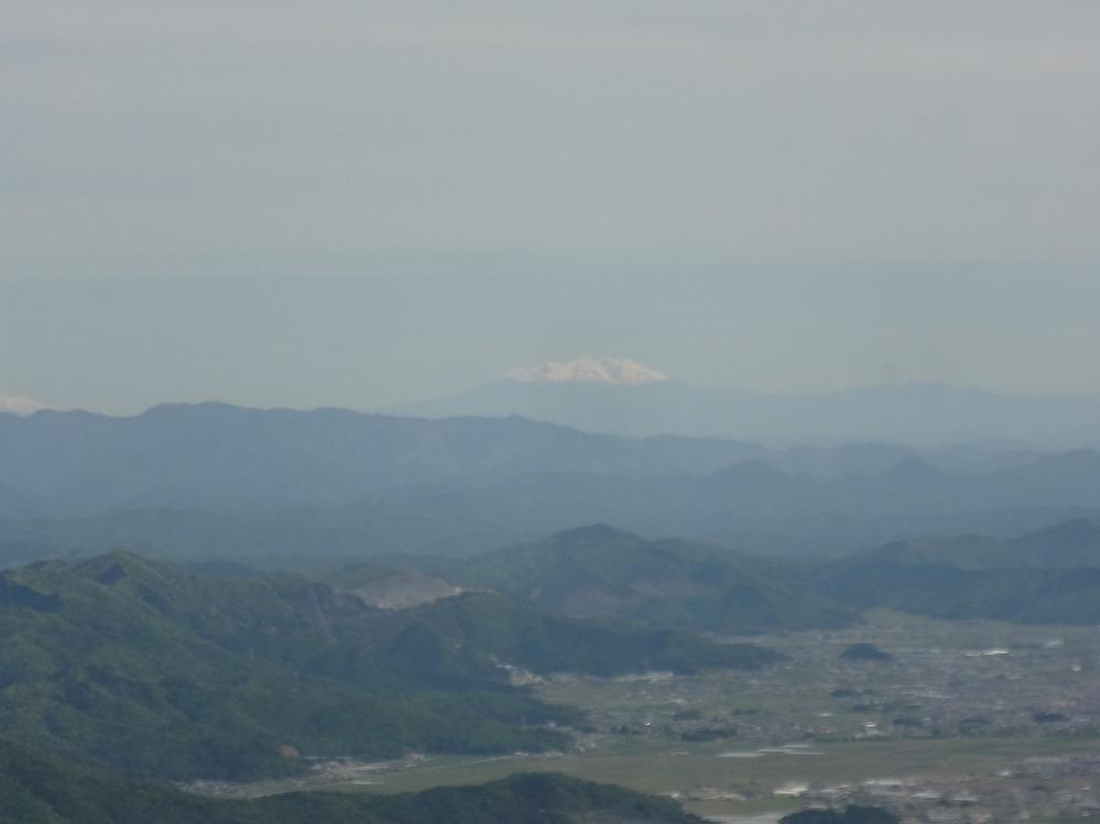 岐阜の池田の森について教えて下さい! 展望台まで行って来たのですが、あそこから富士山見えますか? こんなものが見えました。