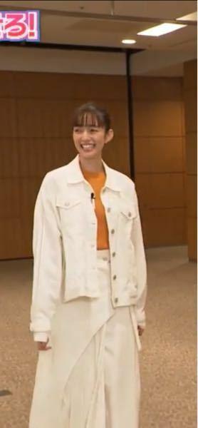 2021.04.21放送の有吉の壁壁の一般人の壁に出演している際の佐藤栞里さんの服を教えて欲しいです。 上着とスカートを教えて欲しいです。