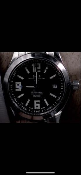 この時計(ボールウォッチ)の型番について この時計の型番をご存知の方がいらっしゃればご教授頂けますと幸いです。 15年ほど前の海外ドラマで使用されていたものになります。