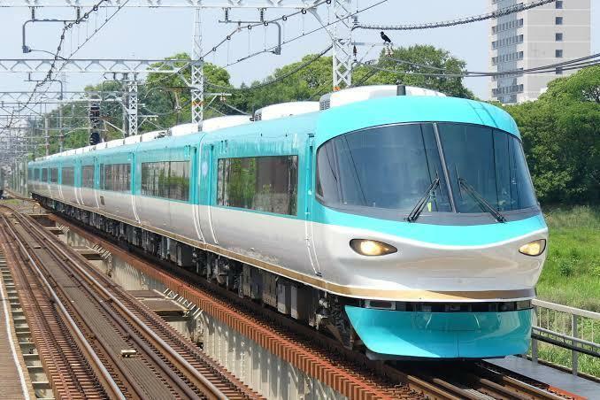 この可愛らしい電車は今も走っていますか?見たことがありません、