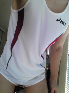 スポーツはしないけどユニフォーム着るのが好きな人いますかね? 自分は陸上ユニ/ランパン・競パン・六尺褌など穿きます