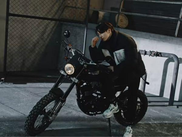 このグクが乗ってるバイク分かる方居ますか!