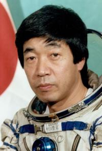 ファンです! 宇宙飛行士の秋山豊寛氏は今はどうされていらっしゃいますか?