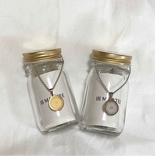 このネックレスにもともとついてるものと同じような60cmのシルバーとゴールドのチェーンを探します。どなたか教えてください。