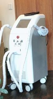 これは何をする機械ですか?美容系の何かだと思うのですが… 回答宜しくお願い致します。