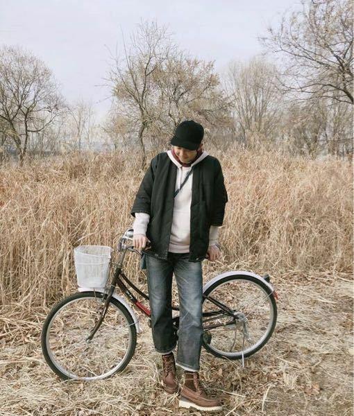 BTSのナムジュンの下の写真のようなプライベート写真たくさん欲しいです! あと、できれば下の写真の画質がいいのもほしいです!