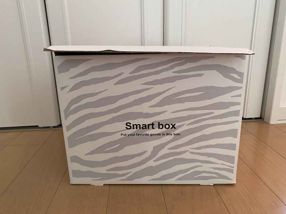 この箱をメルカリで発送したいのですが、 重さが5.7kgで縦+横+高さ=81㎝でした。 これってゆうゆうメルカリ便でローソンから発送できますよね?