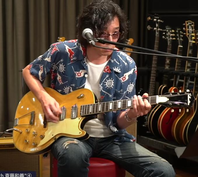斉藤和義さんが奥田民生さんのYouTube内で弾いていました画像のギターのメーカー(SILVERTONE?)と型番を教えてください。