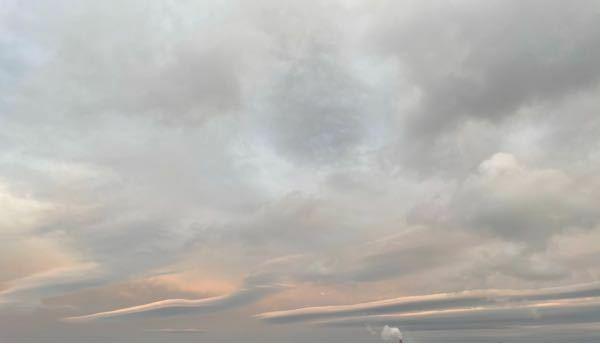 この雲の名前をおしえてください!